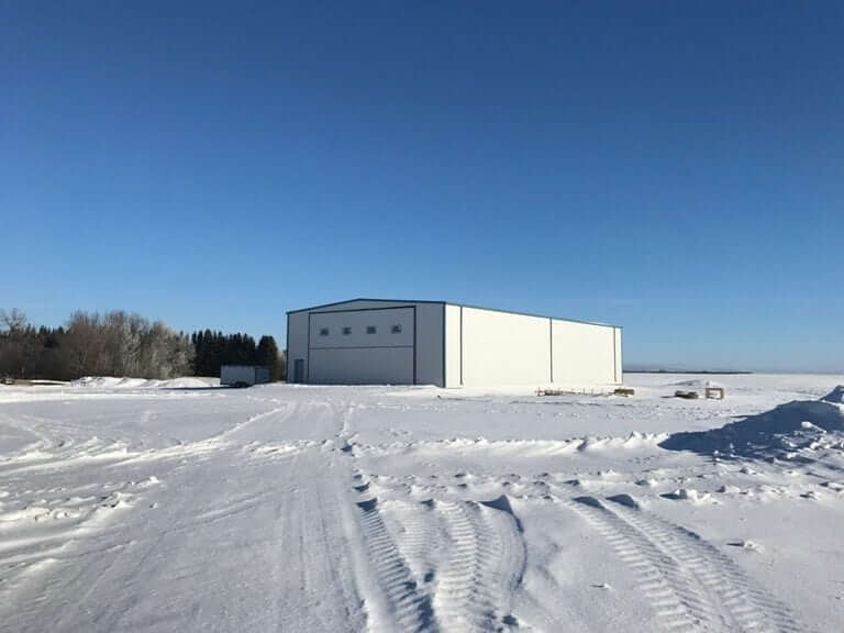 aircraft hanger 80 feet by 100 feet long with clear span interior